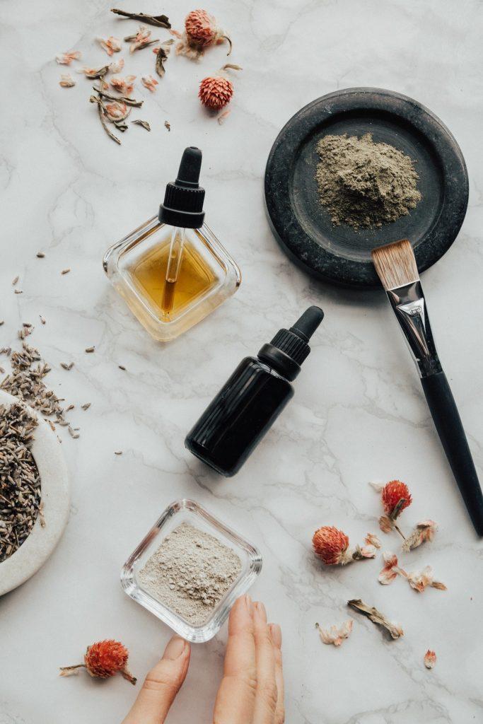 домашни рецепти за кожа и коса козметика шише с масла